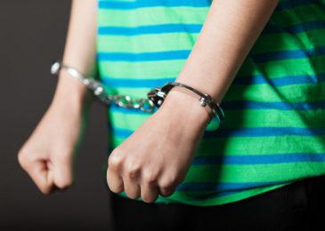 Anwendung von Jugendstrafrecht bei Taten im Erwachsenenalter