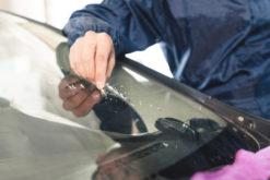 Kaskoschadenabrechnung – Windschutzscheibenreparatur mit Verzicht auf Selbstbeteiligung - Betrug