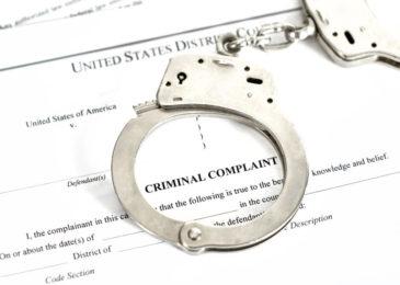 Erlass eines europäischen Haftbefehls wegen wegen versuchten Wohnungseinbruchsdiebstahls in zwei Fällen
