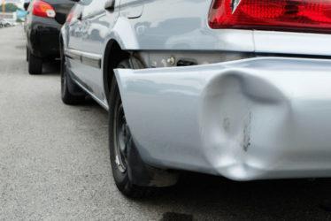 Verkehrsunfallflucht - Grenze für bedeutenden Sachschaden – über 1500 Euro