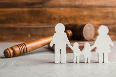 Zeugnisverweigerung – Kind -Einrichtung einer Ergänzungspflegschaft