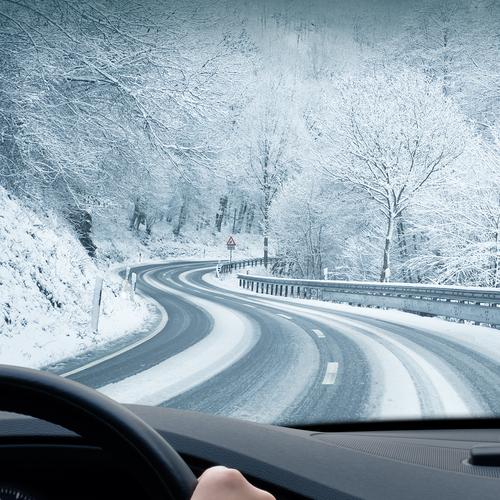 Fahrlässige Gefährdung des Straßenverkehrs bei Unfall mit 0,796 Promille auf schneeglatter Straße