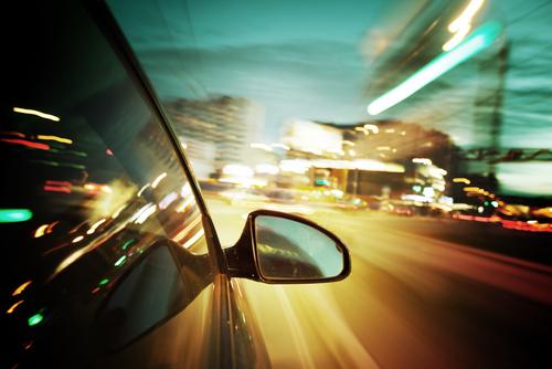 """Kraftfahrzeugrennen - Annahme des Tatbestandsmerkmals """"nicht angepasste Geschwindigkeit"""""""
