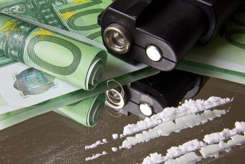 Bewaffnetes Handeltreiben mit Betäubungsmitteln in nicht geringer Menge