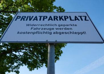 Esslingen,,Germany,-,May,08,,2020:,White,Rectangular,Sign:,Private